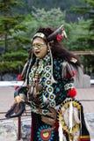 Capo indigeno tradizionale del piedi Neri immagini stock