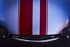 Capo motor atractivo de un coche de deportes de la obra clásica Imagen de archivo libre de regalías