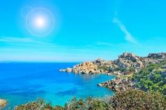 Capo Testaküstenlinie an einem sonnigen Tag Stockfoto