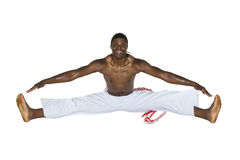 Capoeira, Brazylijski mężczyzna, biel spodnia Zdjęcie Stock
