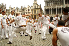 Capoeira op Grand Place stock foto's