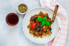 Caponata est un plat sicilien traditionnel Photos libres de droits