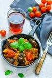 Caponata est un plat sicilien traditionnel Photo libre de droits