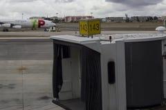 Capot et avion de Jetway sur le fond photo libre de droits