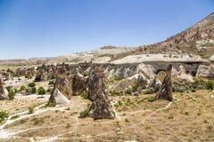 Cappadocia,土耳其 在修士(谷Pashabag)的谷的异常的岩石 免版税库存图片