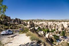 Cappadocia,土耳其 在露天博物馆附近的山在Goreme国家公园 图库摄影