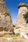 Cappadocia,土耳其 风化柱子在谷Pashabag (修士谷)的 图库摄影