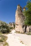 Cappadocia,土耳其 风化风景柱子在谷的修士(谷Pashabag) 图库摄影