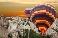 Cappadocia,土耳其 Goreme公园 岩石风景 热的ai 库存照片