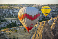 Cappadocia chaud de ballons à air de Colorfull, Turquie Images libres de droits