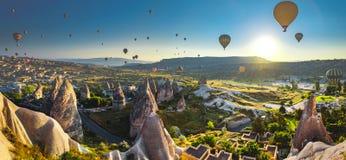 Cappadocia dal på soluppgång royaltyfri fotografi