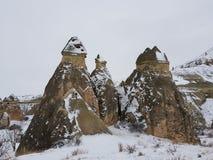 Cappadocia debajo de la nieve imagen de archivo libre de regalías