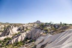 Cappadocia, die Türkei Karpatenberg, Ukraine Im Hintergrund eine alte Festungsstadt Uchisar Lizenzfreie Stockfotos