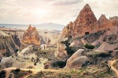 Cappadocia rockowej formaci krajobrazu czarodziejska kominowa panorama Obraz Royalty Free