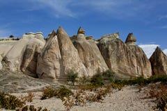 Cappadocia: seguimento através de Rose Valley Fotos de Stock