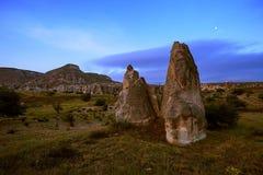 Cappadocia Stad in de rots kolommen van verwering canion nave Turkije stock afbeeldingen