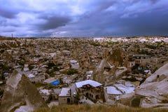 Cappadocia Stad in de rots kolommen van verwering canion nave Turkije royalty-vrije stock foto's