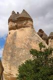 Cappadocia, Steinsäulen von Natur aus hergestellt durch Abnutzung Lizenzfreie Stockfotografie