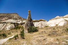 Cappadocia, Turchia Abbellisca con una colonna di alterazione causata dagli agenti atmosferici nella valle di Pashabag (valle dei Fotografia Stock Libera da Diritti