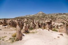 Cappadocia Turkiet Berglandskap med härliga diagram av att rida ut i den Devrent dalen Royaltyfria Bilder