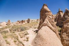 Cappadocia Turkiet Diagram av att rida ut i den bergDevrent dalen Royaltyfri Bild