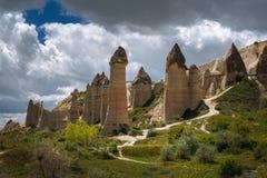 Cappadocia, Turkije Liefdevallei in het nationale park van Goreme stock afbeeldingen