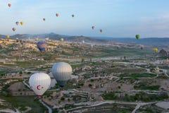 Cappadocia Turquia no balão fotos de stock
