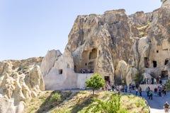 Cappadocia, Turquia Ruínas da igreja na rocha no museu do ar livre no parque nacional de Goreme Imagem de Stock