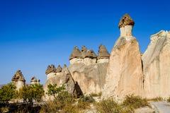 Cappadocia, Turquie Cheminée féerique Multihead lapident des champignons dans la vallée des moines Vallée de Pasabag Photographie stock