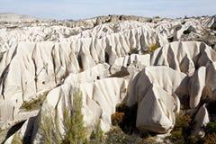 Cappadocia : Vallée de Rose montagnes faites par le vent Image stock