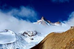 capped bergsnow Royaltyfri Foto