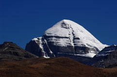 capped bergsnow tibet royaltyfria bilder