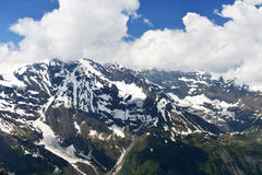 Capped mountain peaks Royalty Free Stock Photography