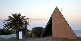 Cappella del memoriale di guerra degli infermieri in poca baia al tramonto Immagine Stock Libera da Diritti