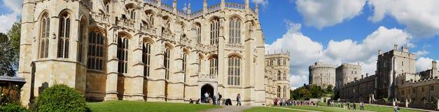 Cappella del ` s di St George e motivi di Windsor Castle vicino a Lo fotografia stock libera da diritti