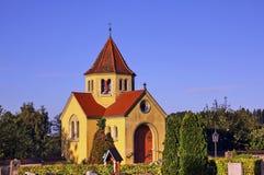 Cappella della cripta nel cimitero di Ratzenried, hl del ¼ di ArgenbÃ, Allgaeu, Baden-Wurttemberg, Germania immagini stock
