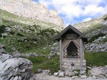Cappella molto piccola della montagna Immagini Stock Libere da Diritti