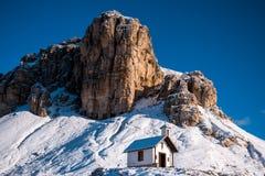 Cappella nel parco nazionale di CIME, dolomia, Italia Fotografia Stock Libera da Diritti