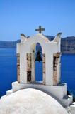 Cappella nell'isola di Santorini immagine stock libera da diritti