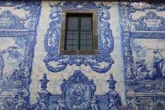 Cappella a Oporto, Portogallo - Capela das Almas da Santa Catarina - mattonelle dipinte Fotografie Stock