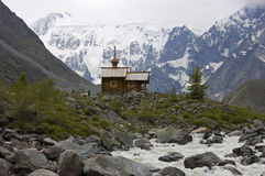 Cappella ortodossa in montagne Immagine Stock