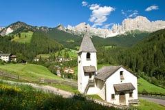 Cappella in san zyprian, Tirolo del sud Fotografia Stock Libera da Diritti