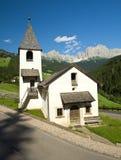 Cappella in san zyprian, Tirolo del sud Fotografia Stock