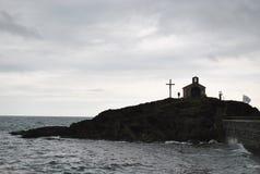 Cappella su una roccia Fotografia Stock