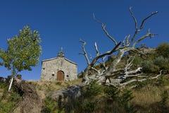 Cappella sulla collina Fotografia Stock