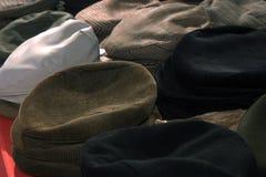 CAPPELLI headdresses Vendita dei cappelli Fotografia Stock Libera da Diritti
