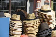 Cappelli su esposizione da vendere Immagine Stock
