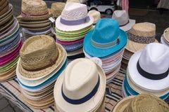 Cappelli in un deposito Fotografia Stock