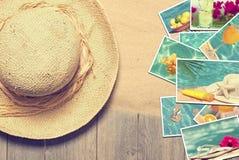 Cappellino da sole & cartoline Immagine Stock
