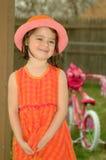 Cappello Bambino-Arancione e dentellare Immagini Stock